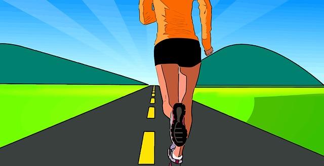 běžící žena na silnici