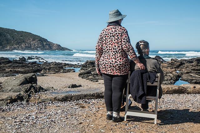 seniorky u moře.jpg