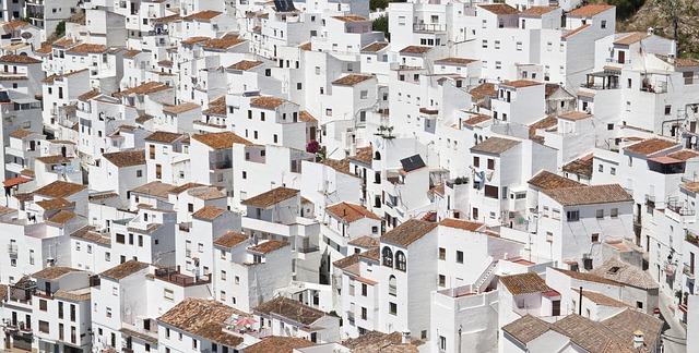 bílé domy